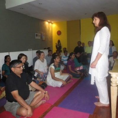 Karpani teaching in Singapore